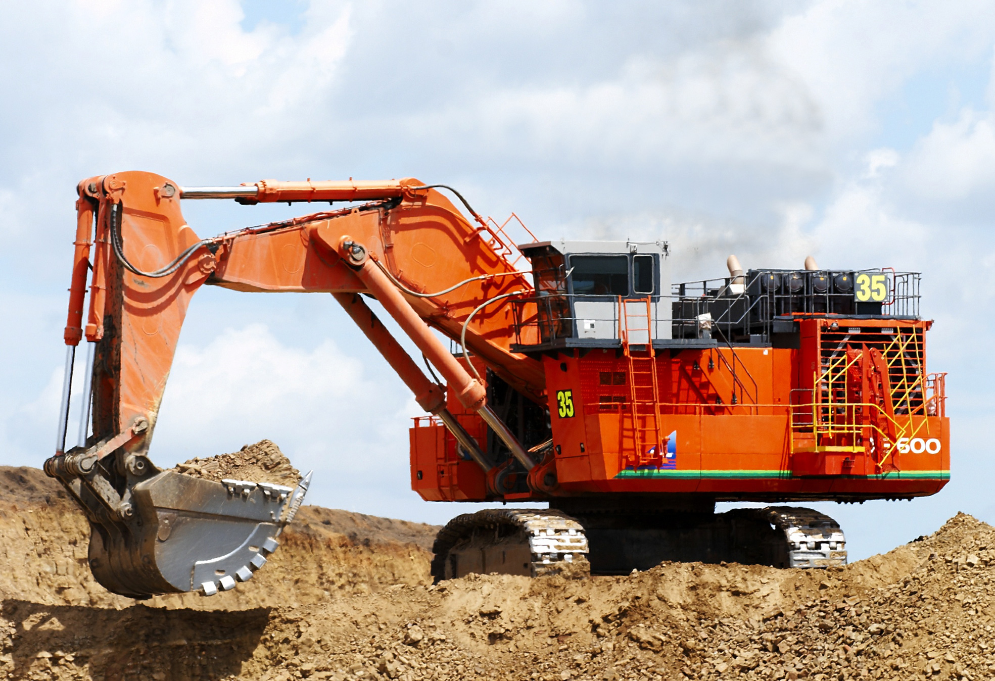 How Does An Excavator Work National Plant Equipment